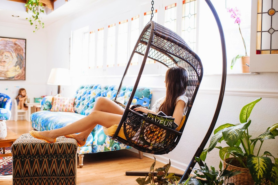 Swing chair for a tricky or awkward corner
